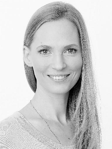 Mag. a. Julia Hueffel